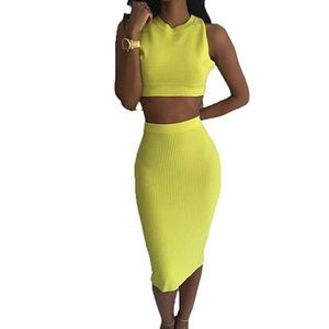 Never worn neon yellow outfit